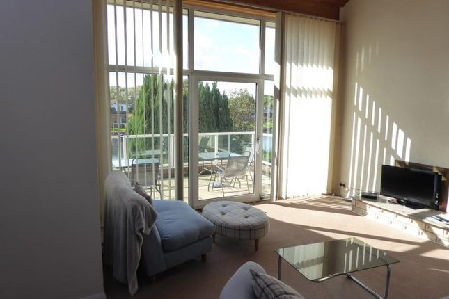 Thumbnail Flat to rent in Thames Side, Staines