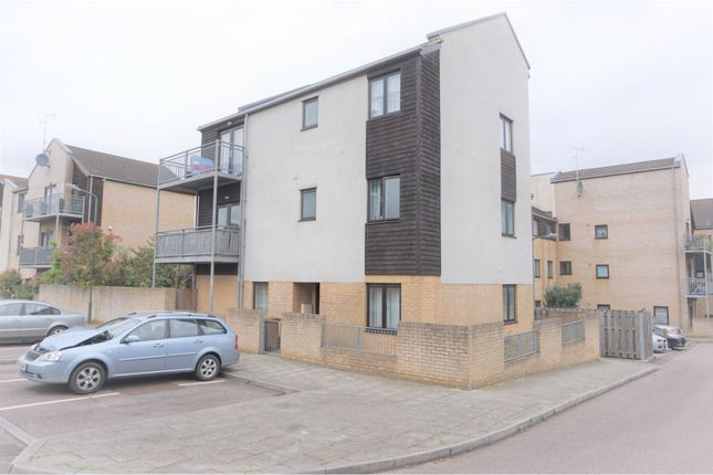 Thumbnail Flat to rent in Davis Way, Sidcup