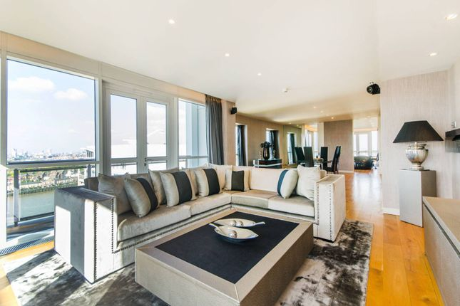 Thumbnail Flat for sale in Eaton House, Canary Wharf