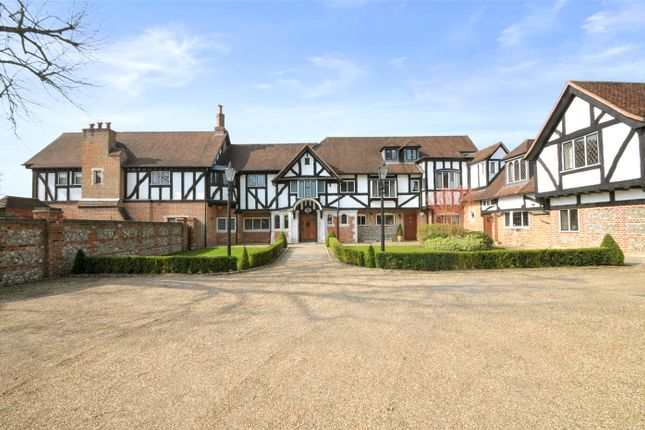 Thumbnail Property to rent in Ponds House, Rawlings Lane, Seer Green, Beaconsfield