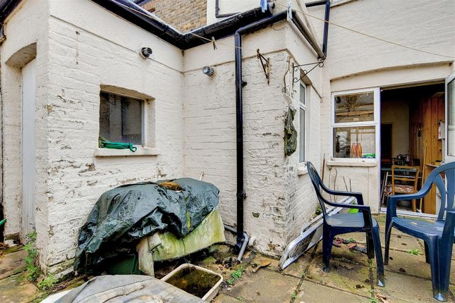 6_Patio-1 of Robson Road, London SE27