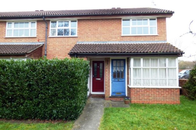 Thumbnail Maisonette to rent in Armstrong Way, Woodley, Reading