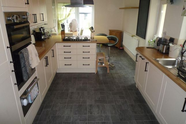 Thumbnail Property to rent in Kingsland Crescent, Vale Of Glamorgan, Barry