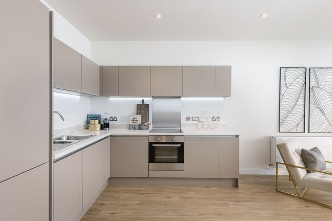 1 bedroom flat for sale in The Boulevard, Crawley