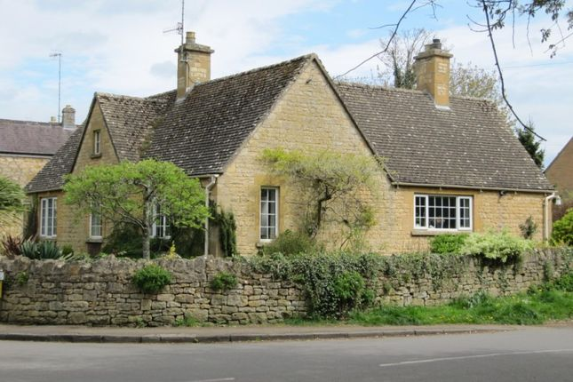 Thumbnail Detached bungalow for sale in Park Road, Chipping Campden