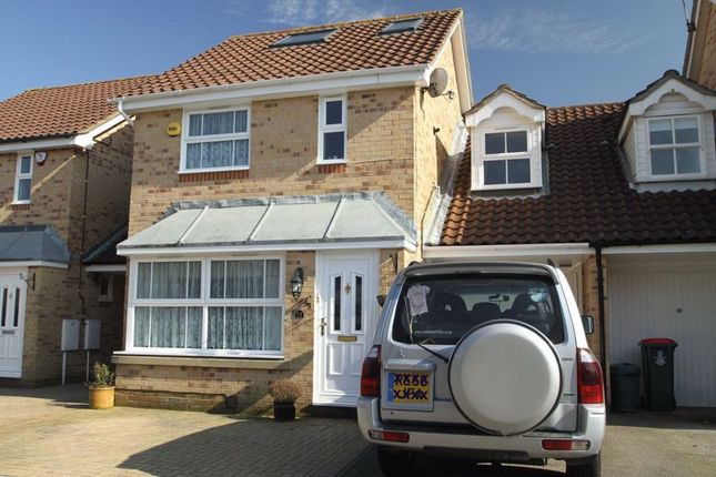 Thumbnail Detached house to rent in Franklin Road, Maidenbower, Crawley