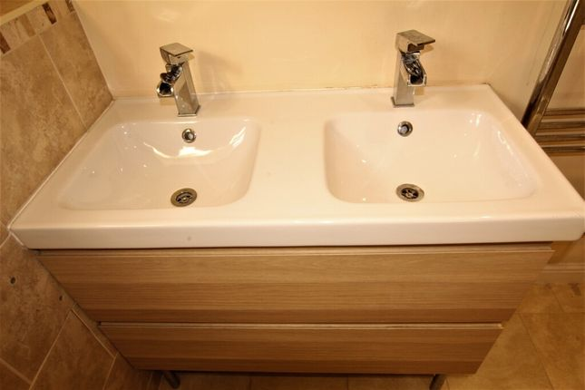 Twin Sink Unit of Grenoside Grange Close, Grenoside, Sheffield S35