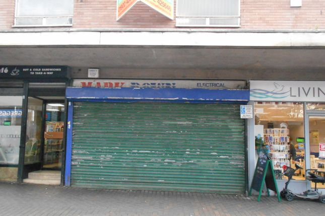 Retail premises to let in Stafford Street, Willenhall
