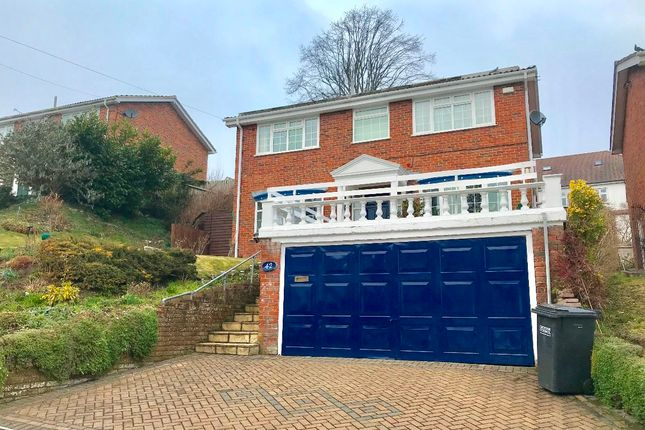 Thumbnail Detached house to rent in The Vale, Coulsdon