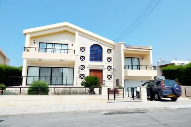 Villa for sale in Pano Paphos, Cyprus