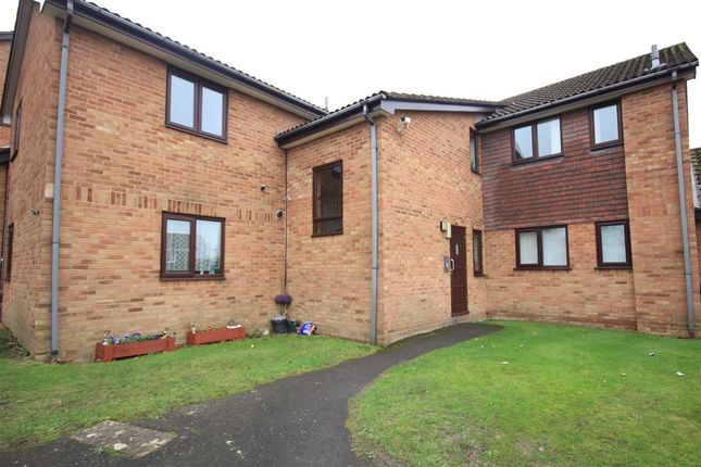 Thumbnail Flat to rent in Godmanston Close, Canford Heath, Poole
