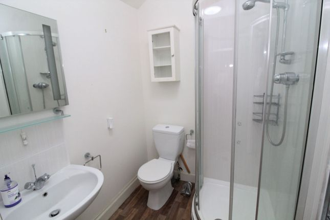 Shower Room of 17 Royal Street, Gourock PA19