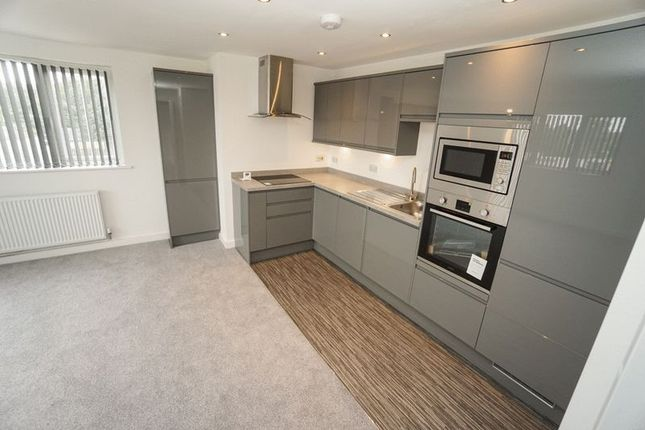 Thumbnail Flat to rent in Wood Vale, Westhoughton, Bolton