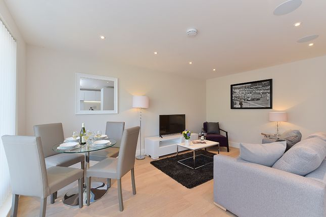 2 bed flat to rent in Sudrey Street, London SE1