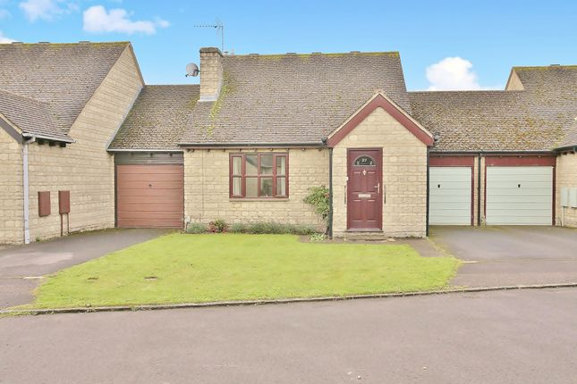 Thumbnail Detached bungalow for sale in Schofield Avenue, Witney