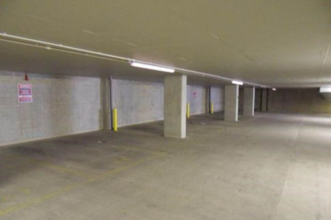 Parking/garage to rent in Secure Parking, Salem Street, Bradford