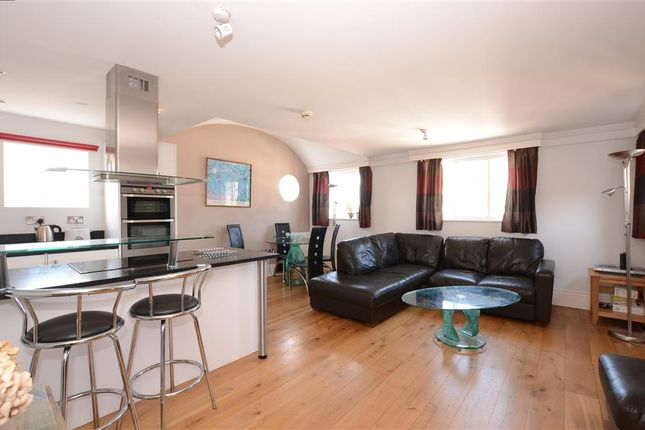 2 bed flat for sale in High Street, Lewes, East Sussex