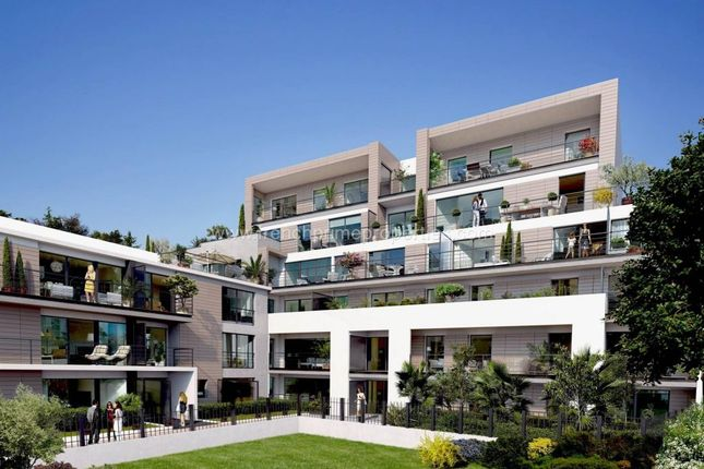 Thumbnail Apartment for sale in Antibes Bord De Mer, Provence-Alpes-Cote D'azur, France