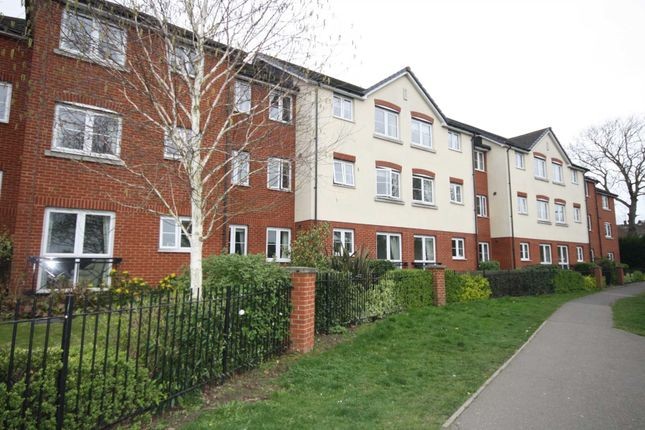 Thumbnail Flat for sale in Southend Road, Billericay