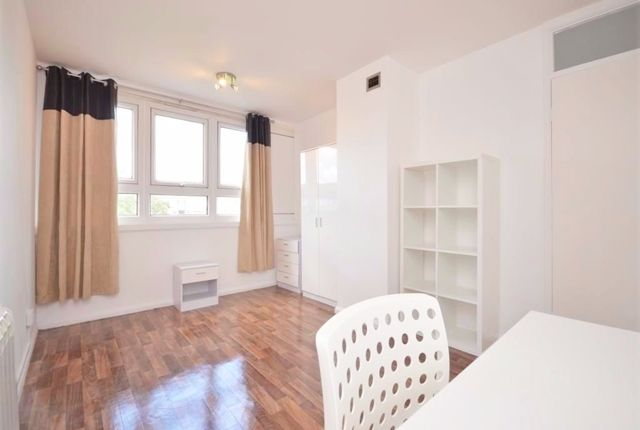 Thumbnail Flat to rent in Chesterton Terrace, Kingston-Upon-Thames, Surrey
