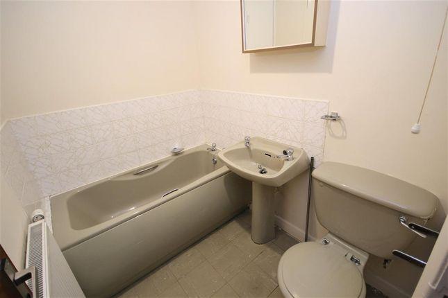 Bathroom of Mclees Lane, Motherwell ML1