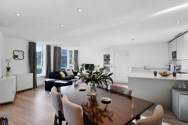 Flat for sale in Tennyson Apartments, Croydon