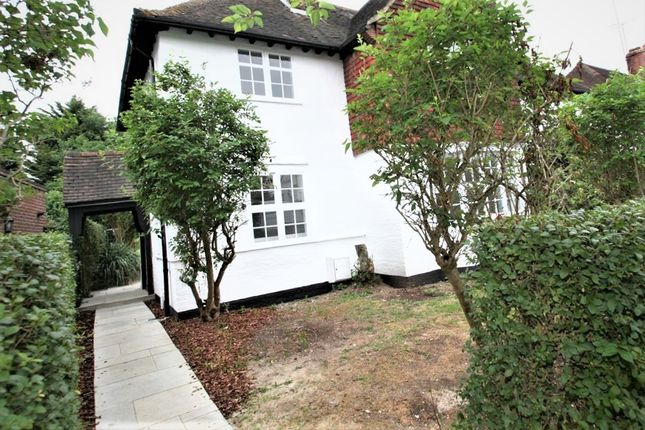 Thumbnail Bungalow to rent in Brookland Rise, London