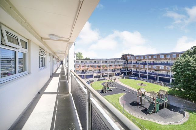Thumbnail Flat for sale in Churchill Court, Newmarket