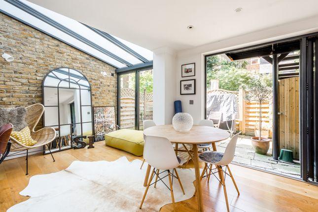 Thumbnail Flat to rent in Leamington Road Villas, London