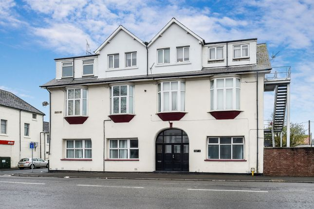 Thumbnail Flat for sale in Cardiff Road, Barry