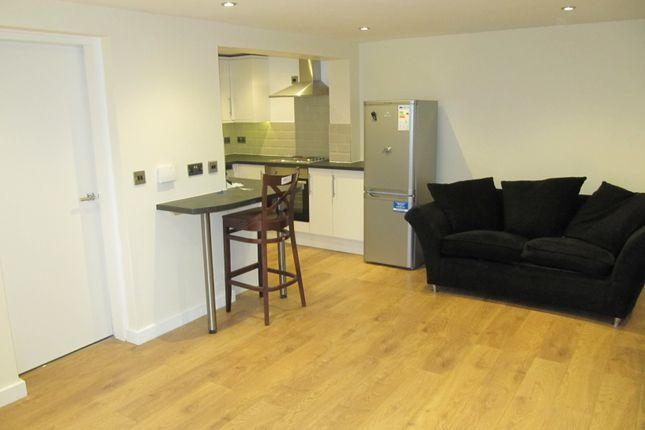 Thumbnail Flat to rent in Harehills Lane, Leeds