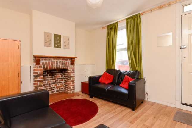Thumbnail Shared accommodation to rent in Claremont Place, Canterbury