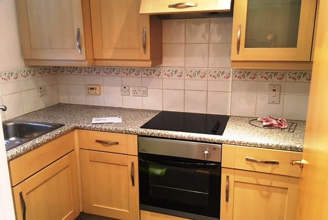 Thumbnail Semi-detached house to rent in Alderley Crescent, Walsall