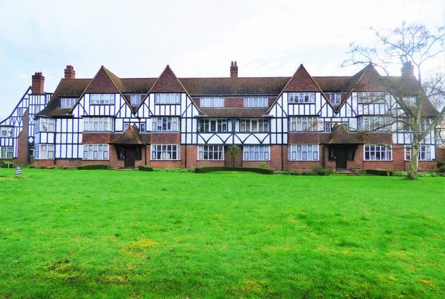 Thumbnail Flat for sale in Queens Drive, West Acton