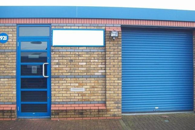 Industrial to let in 921 Yeovil Road, Slough Trading Estate, Slough