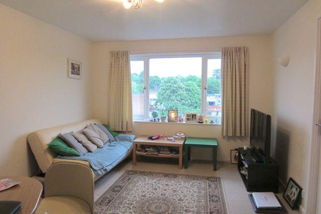 Thumbnail Flat to rent in Bellfield, Croydon