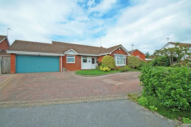 Thumbnail Bungalow for sale in Coleshill Close, Hunt End, Redditch