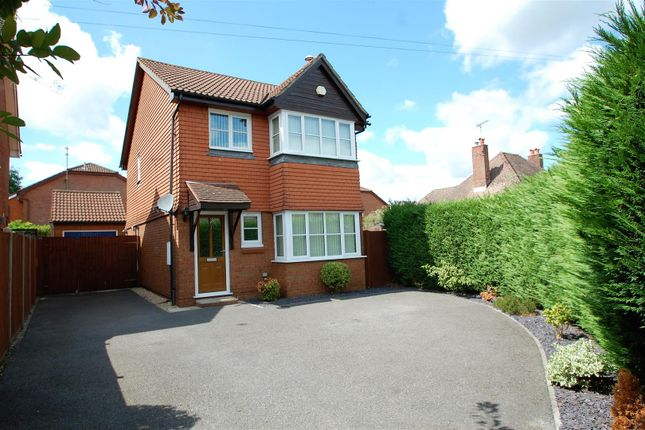 Thumbnail Detached house to rent in Princes Road, Petersfield