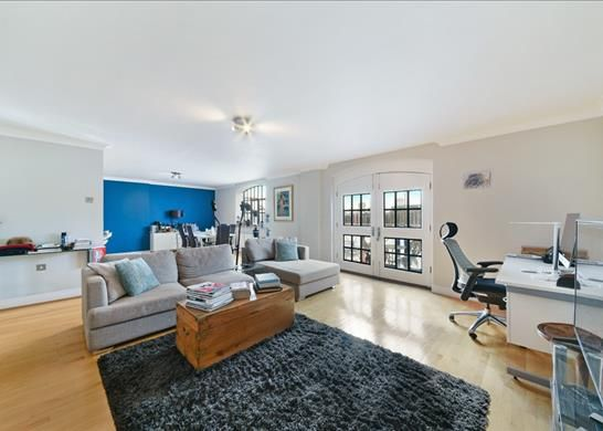 Thumbnail Flat to rent in Millers Wharf House, Wapping, London
