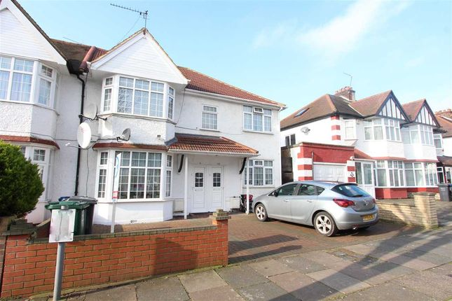 Thumbnail Flat to rent in Fairfield Crescent, Edgware