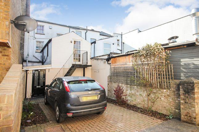1 bed flat to rent in Bridge Road, East Molesey, Hampton Court KT8