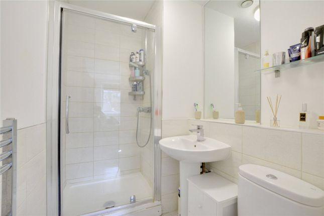 En-Suite of Howarth House, 125 Pelton Road, Greenwich, London SE10