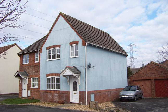 Thumbnail Semi-detached house to rent in The Barrows, Weston-Super-Mare