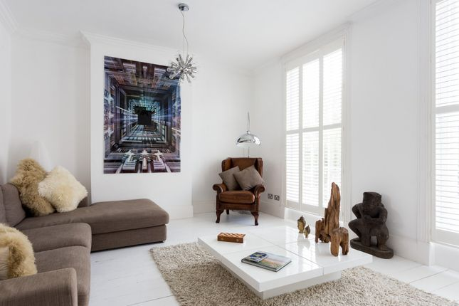 Thumbnail Town house to rent in Royal College Street, London
