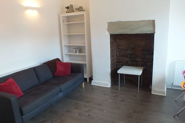 Thumbnail Terraced house to rent in Norman Mount, Leeds, West Yorkshire