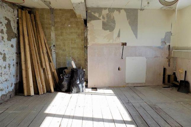 Second Floor Bedroom / Lounge & Kitchen