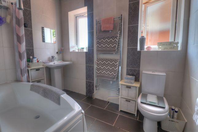 Bathroom of Scraptoft Lane, Humberstone, Leicester LE5