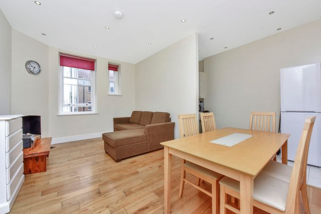 Thumbnail Flat for sale in Elthorne Road, Archway