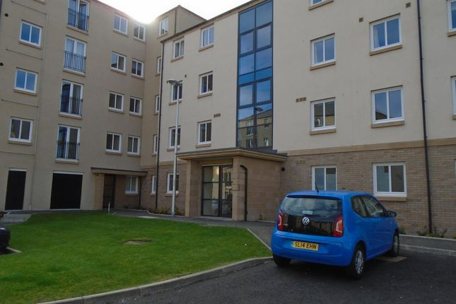 2 bed flat to rent in Flaxmill Place, Edinburgh