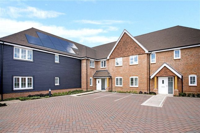 2 bed flat for sale in Forester Lodge, Lorimer Avenue, Cranleigh GU6